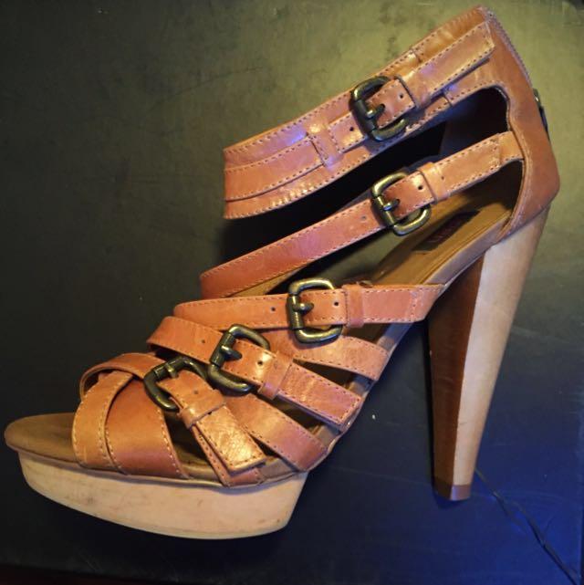 Siren Tan & Wood Heels