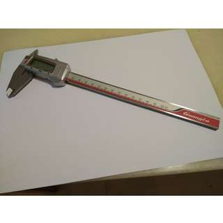 "Digital Caliper 8"" 0-200MM/0.01 Electronic Stainless Steel Measuring Tool (Used)"