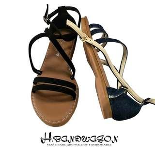 【H.BANDWAGON】丹寧風牛仔布雙字交叉線條勾釦低跟平底涼鞋 台灣製 MIT