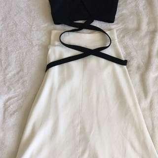 UNIQLO • White Midi skirt