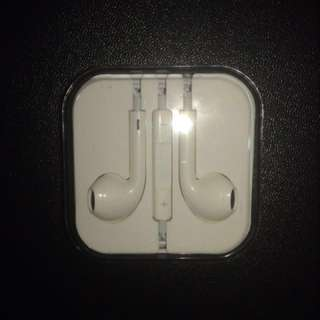 IPhone 5s original earphones brand new