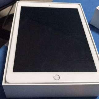 BRAND NEW - Apple Ipad 5th gen_32gb (silver) Wifi + 4G