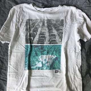 Ripcurl t-shirt size L