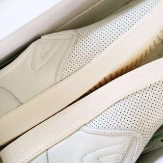 Brand New Tretorn White Leather Slipons