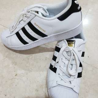 ADIDAS SUPERSTAR SHOES -  KIDS' USA 7 WORN 2 TIMES ONLY