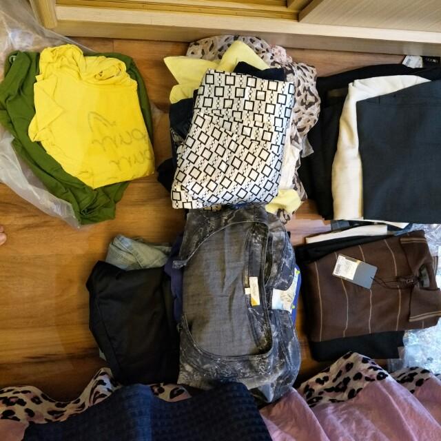 二手衣物狀況還算良好,100元不含郵寄費用,清衣櫃