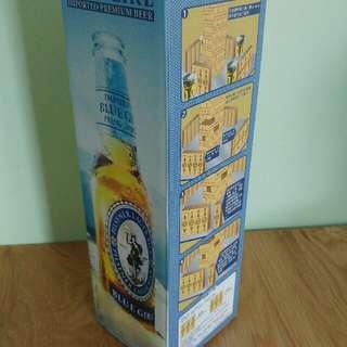 出售全新籃妹層層曡ㄧ盒,亦可當麻雀對對碰,售ㄧ百元,有意請pm我,謝謝!