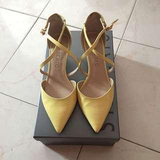 Staccato Heels 矮跟鞋 35