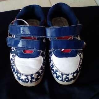 Led light shoes size EUR 28