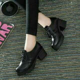 Sepatu Boots Style Hitam