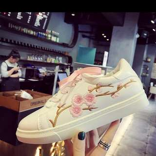 Preorder Embtoidered Fashion Shoes
