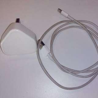 iphone charger original(jual sebab dah pakai vivo)