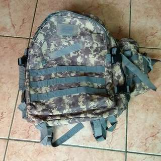 🚚 迷彩後背包,長50寬40