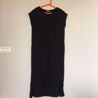 GU黑色洋裝