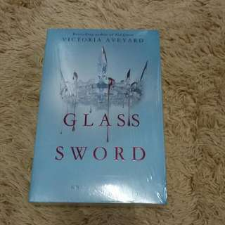 [Include Postage] GLASS SWORD By Victoria Aveyard (#2 of Red Queen Series)