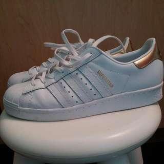 Adidas superstar size  40