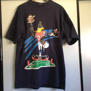 Vintage looney tunes NFL t shirt