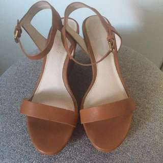 Size 37 Witchery Tan Sandal Wedges