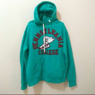 Pennsylvania Collage Hoodie (bukan uniqlo)