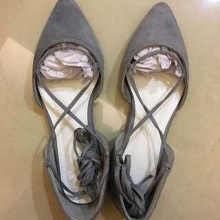 🚚 綁帶尖頭包鞋 #我的旋轉衣櫃