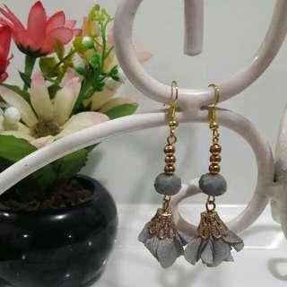Flower Drop Earrings-gray