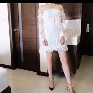 Sabrina embrodery dress