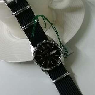 雅寶復古蘇聯款石英手表(黑面玫瑰金字)