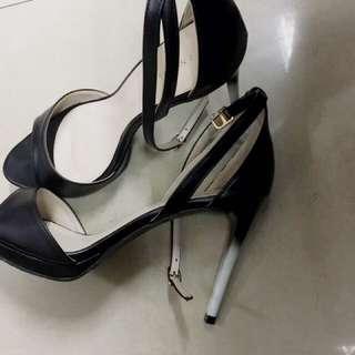 Sepatu Heels +/- 8cm Merk VINCCI (VNC Malaysia)