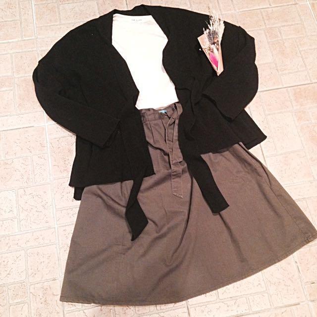 +-×÷ 墨綠色半長裙
