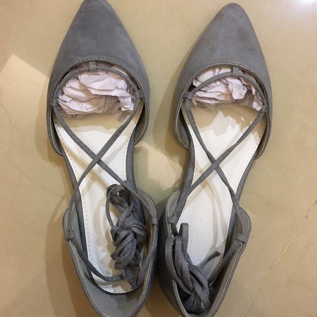綁帶尖頭包鞋 #我的旋轉衣櫃