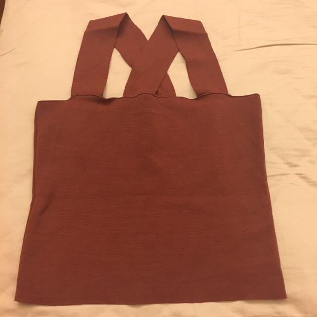 棗紅色 寬肩帶短版背心 平口 後背交叉 針織