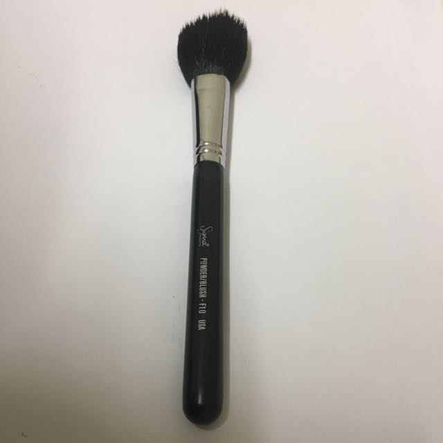 Authentic sigma F10 powder/blush brush