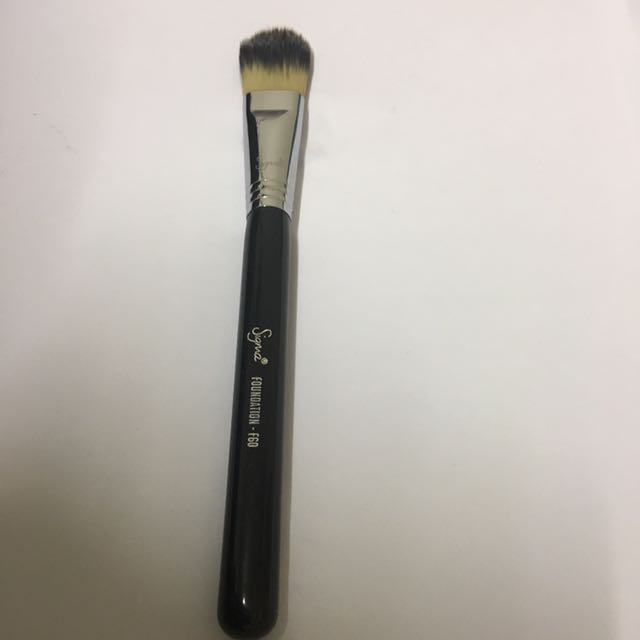 Authentic sigma F60 foundation brush