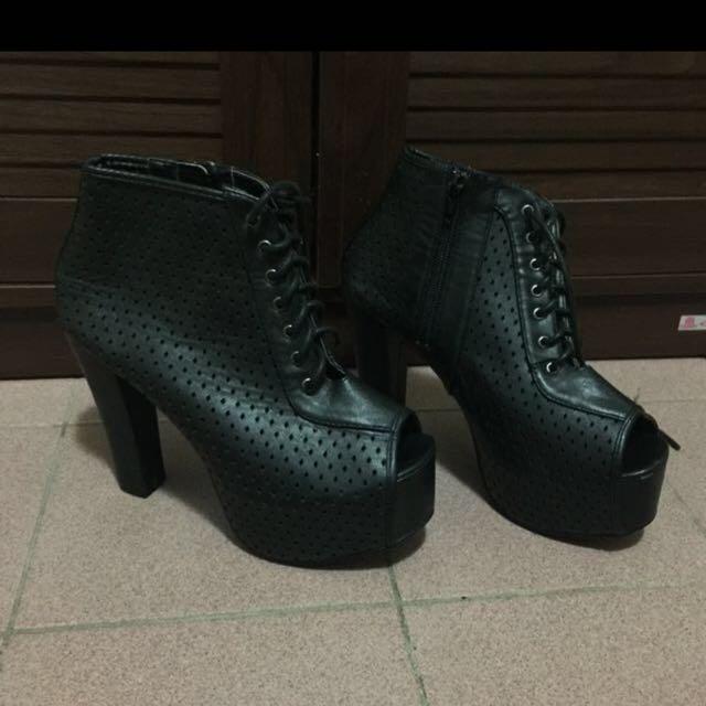 Black platform heels/boots