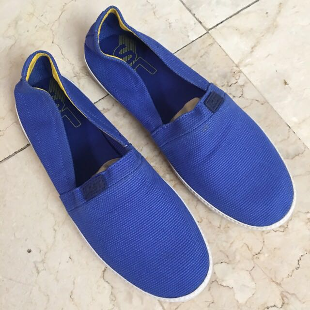 BNEW Lacoste Slip On