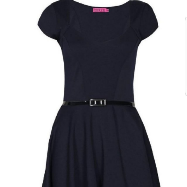 a079d9ae4644 Boohoo Lara Sweetheart Neck Skater Dress in Navy Blue, Women's Fashion,  Clothes, Dresses & Skirts on Carousell