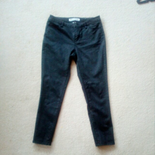 Country road black jeans
