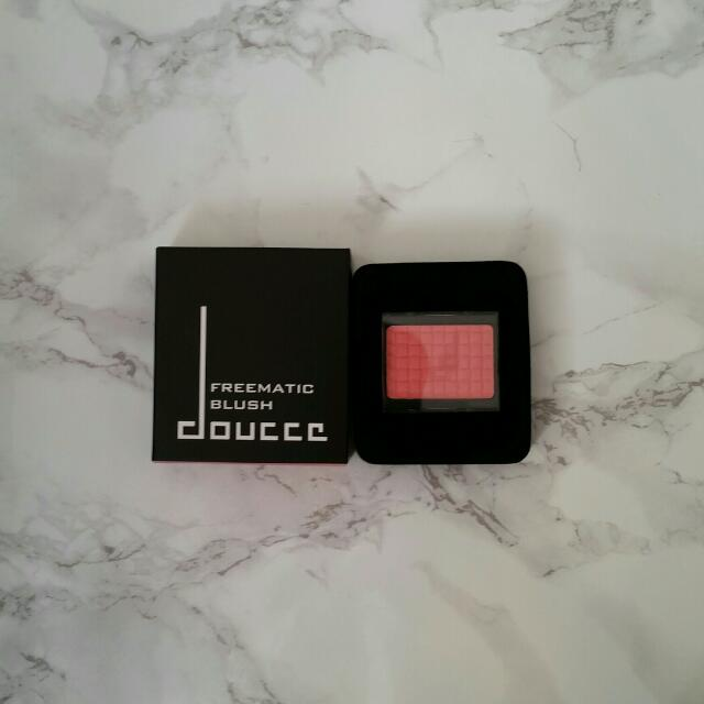 Douccee Freematic Blush