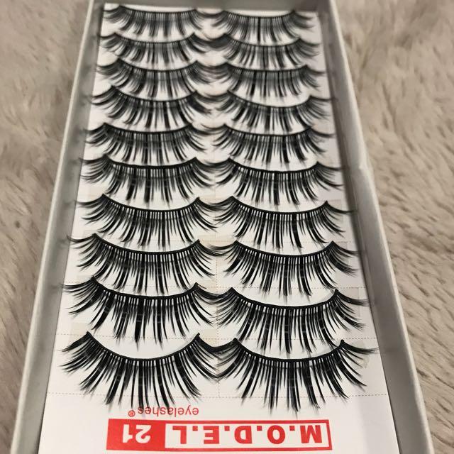 False eyelashes 10 pack