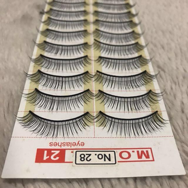 False eyelashes size no.28