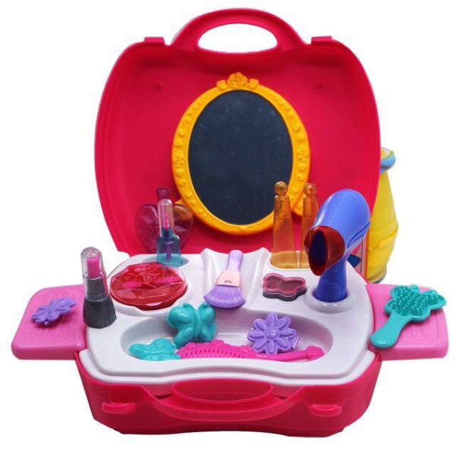 Fashion - Dream Suitcase
