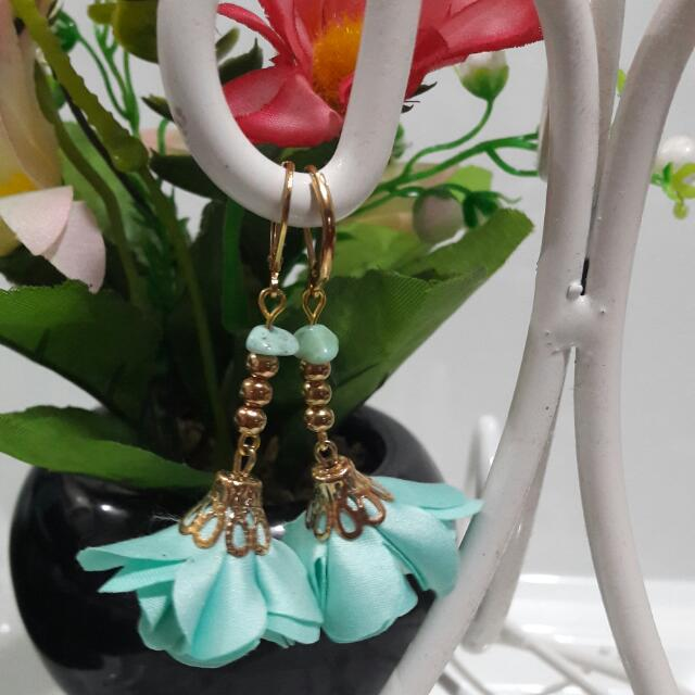 Flower Earrings - Aquamarine