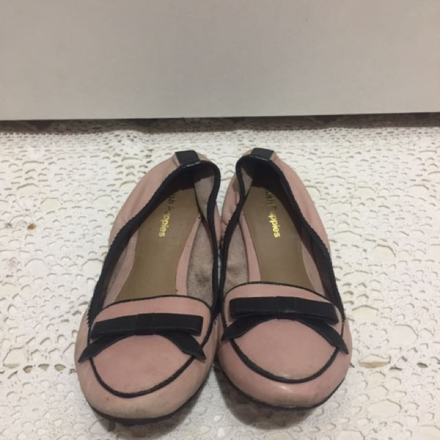 Hush puppies flat shoes