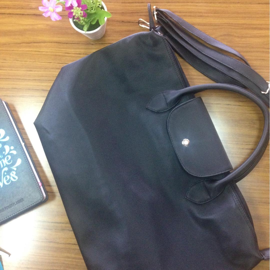 Ladies big black bag with sling