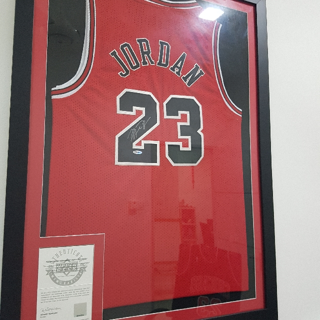 reputable site 8bb37 0efd6 michael Jordan Autographed Jersey with COA