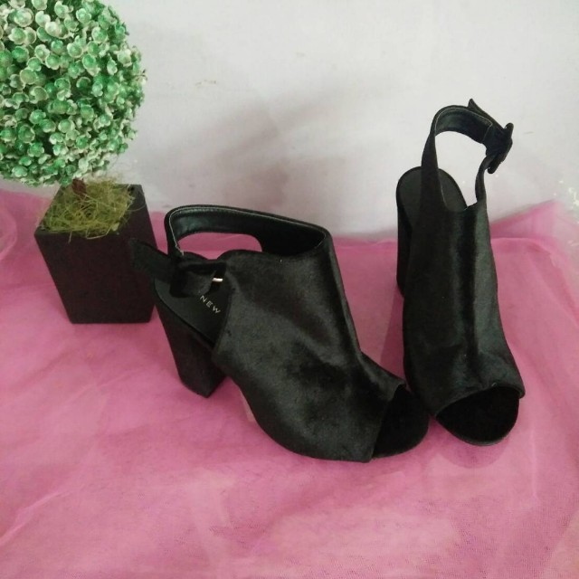 NEW LOOK HEELS HITAM
