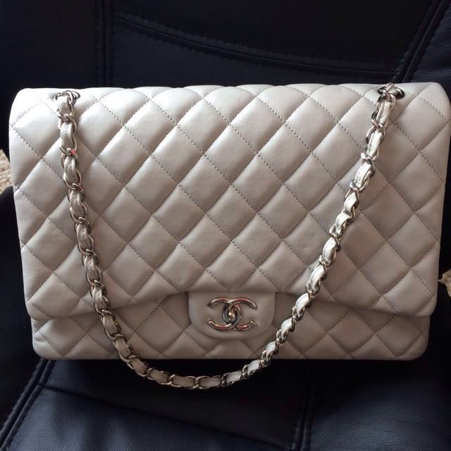 36f1647ad69462 REDUCED PRICE‼ Authentic Jumbo Chanel Classic Lamb skin In Light ...