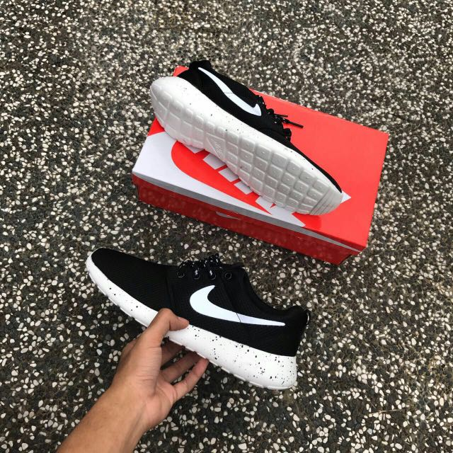 e97ef3c67af69 purchase nike roshe run yeezy oreo men price rm95 free postage size 68a0f  ba586  promo code for photo photo photo 3e5bd e3b27
