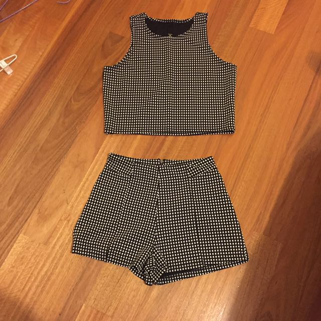 Set of checkered crop and shorts