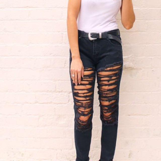 Shredded Black Boyfriend Jeans Size 6